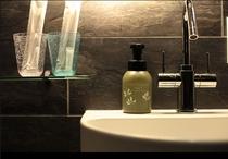 おしゃれなシャワールームには機能的な良さがつまっています。
