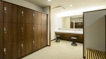 清潔感ある脱衣スペース