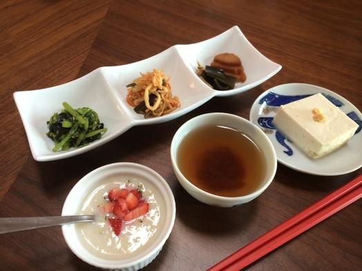 【朝食付き】季節の玄米和定食(フルーツ甘酒付き)【添い寝無料】
