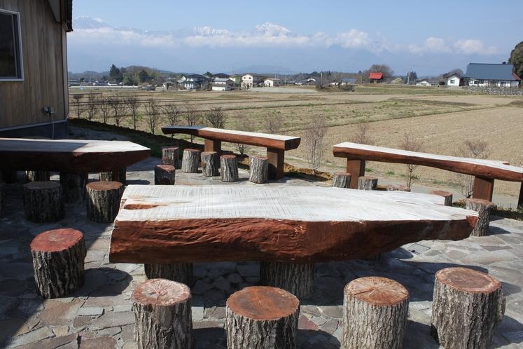 南アルプスが一望のテラスカフェ。