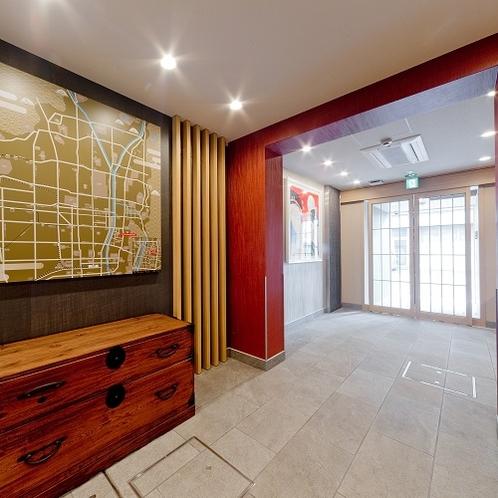 館内の雰囲気を高めるレトロな家具