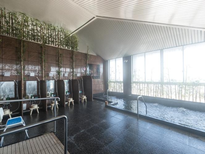 熊野灘を望む大浴場