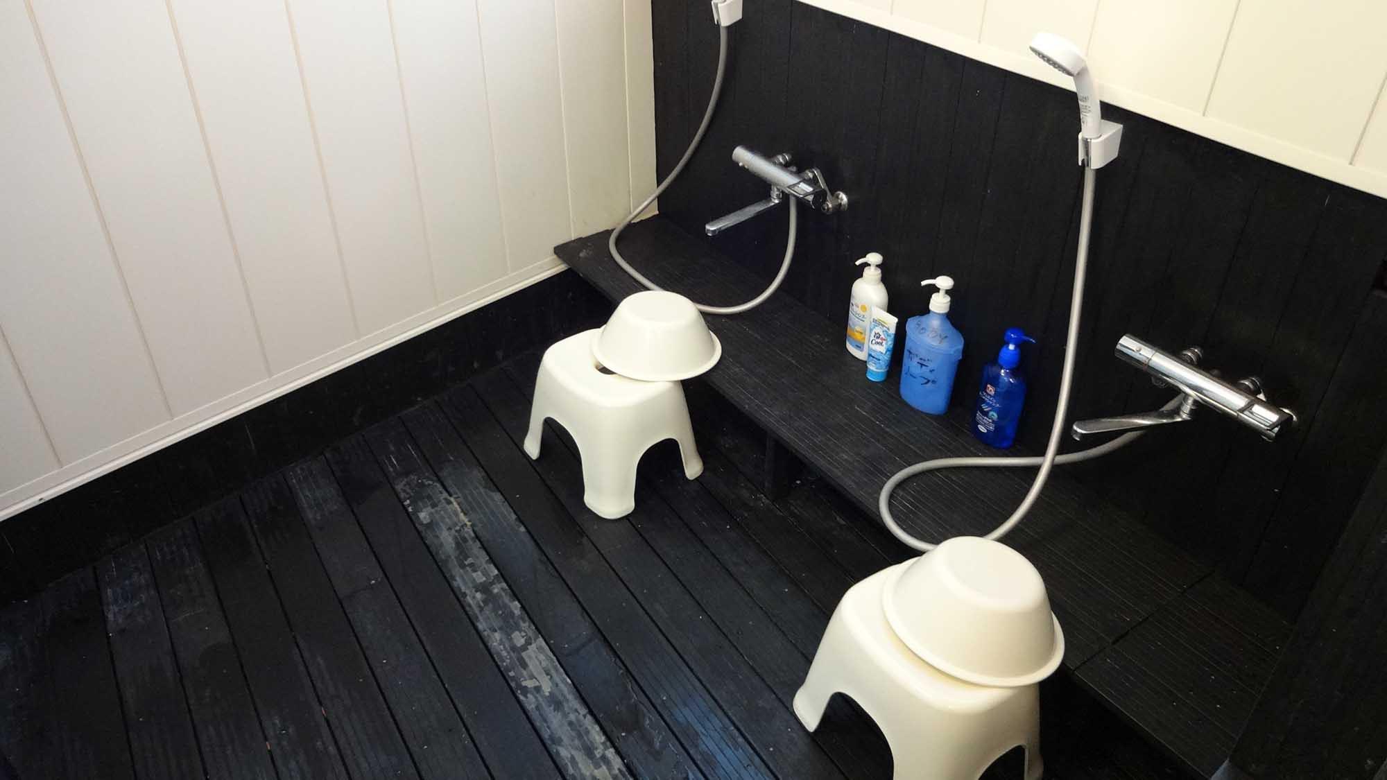・浴場の洗い場(ボディソープ・リンスインシャンプーなど設置あり)