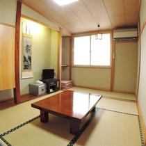 *客室一例/和室8畳~12畳の純和風のお部屋。wifi完備でネットも安心。