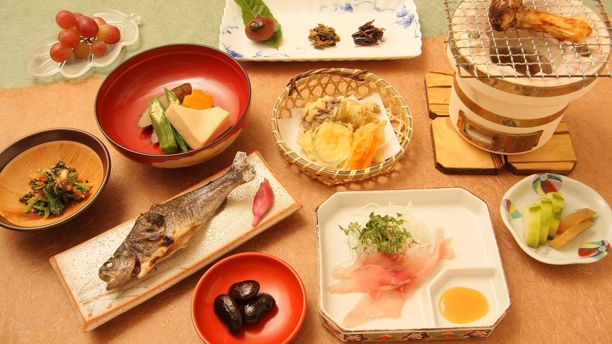 *夕食一例/体に負担のないお食事を大切にしています。病中・病後のご相談もお気軽にどうぞ。