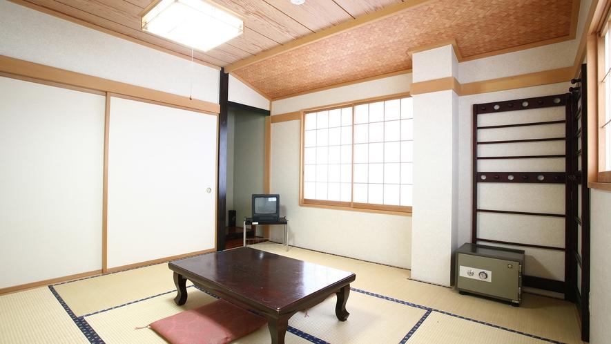 *和室6畳一例/1~2名様でご利用可能な純和風のお部屋。一人旅、ご夫婦にお勧めです。