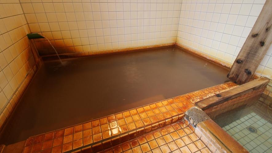 *温泉/増富温泉は日本三大ラジウム温泉のひとつ。力強い源泉をかけ流しにしております!