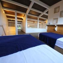 *2階寝室/ベッドルーム