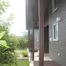 *お庭/棟の前のお庭でBBQも可能です。