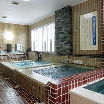 *【風呂】水風呂も用意しており、サウナ後に入るとリフレッシュできます。