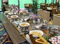 【夕食バイキング】ブッフェ台