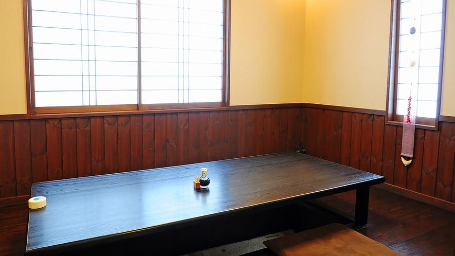【館内】個室の食事処もございます。