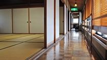 【館内】2階の客室の廊下