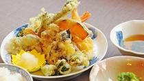 【夕食の一例】春の山菜「タラの芽・こごみ・ユキノシタ」の天婦羅