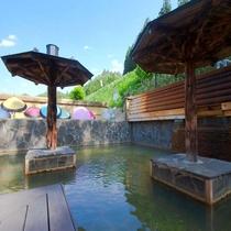 鳴子温泉最大級の百畳露天風呂(昼)