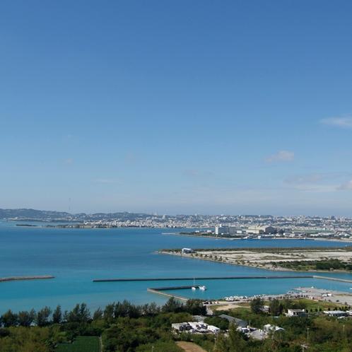 勝連城からの景色(中城湾)*