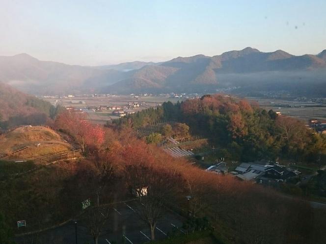 12月の山々。きれいに紅葉