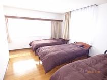 10帖寝室2