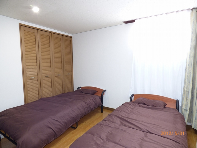 9帖寝室2
