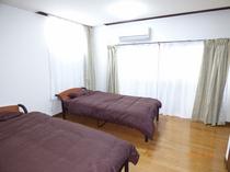 9帖寝室1