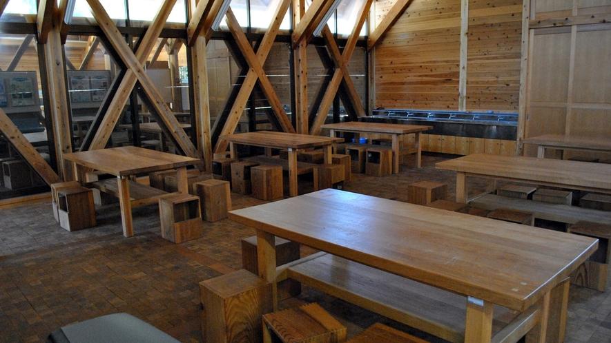 *【敷地内一例】森の学舎の木工体験コーナー