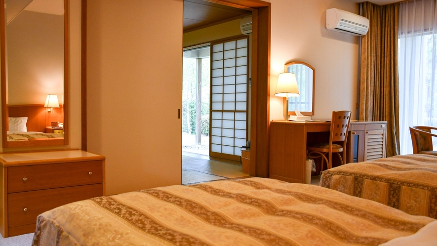 【離れ特別和洋室(ツインベッドルーム)】ゆったりとした二間続きのお部屋