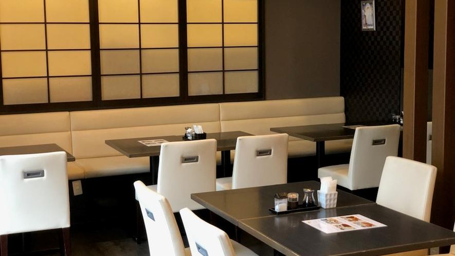 朝食会場(4種類のセットメニューで、名古屋めしの小倉トーストがおすすめ、朝食付プランがお得!)