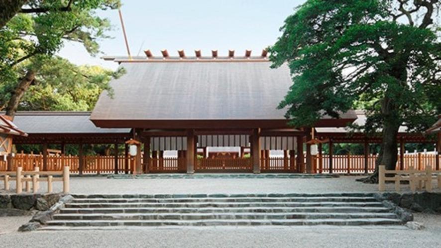 熱田神宮(栄駅から名城線・神宮西駅下車、徒歩約15分)