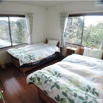 *本館ツイン客室一例/広さ約8畳、カップル、ご夫婦、お友達同志におすすめです。