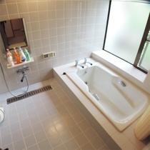 *一棟貸し客室一例/ファミリーにお勧めのこちらのお部屋タイプはバスルーム付き。