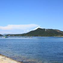 【鳴門ウチノ海総合公園】ホテルから車で10分ほどのところにある公園。穏やかなウチノ海に面しています。