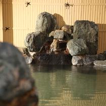 *[2階浴室]加水・加温・ろ過なしの源泉かけ流しの湯をお楽しみください。
