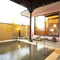 *[露天風呂一例]2018年リニューアル!季節の風を感じながら、源泉掛け流しの湯をご堪能ください。
