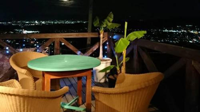 【メインが選べるエスニック料理・2食付】生駒の景色を楽しみながら本格インドネシア料理に舌鼓!