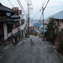 【周辺】風情ある宝山寺参道沿い。古都奈良をお楽しみください。