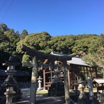 【周辺】往馬大社/生駒神社とも呼ばれています。1500年の歴史を持っています。