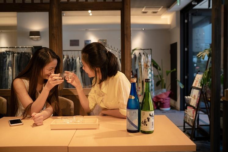 滋賀地酒バーで日本酒の魅力にで出会える旅に。今日1日の思い出を語り合いながらカンパイ♪