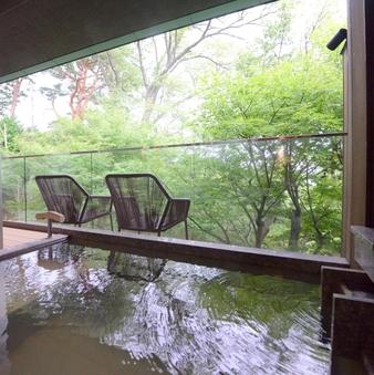 「香」「萬」和室12畳+洋室+庭園デッキ