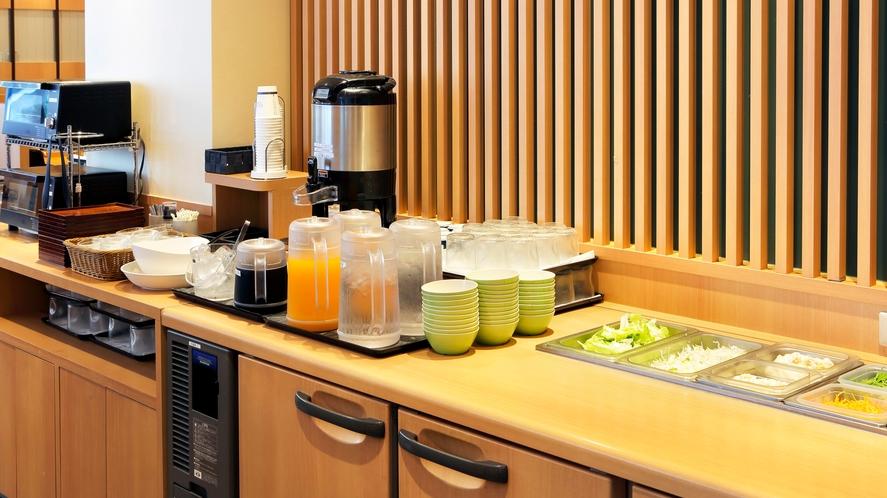 ご朝食 ■サラダバー■ ご朝食はサラダ・ドリンク類がおかわり自由です
