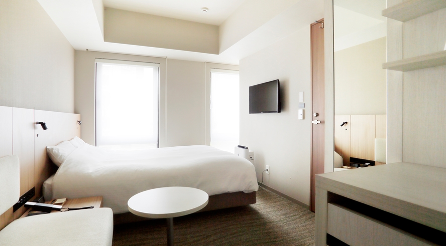 ■ダブルルーム 17㎡■ 充実の設備に加え160cm幅ベッド完備 1名でもご利用いただけるお部屋です