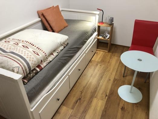 シングルベッドルーム 1名様で個室利用