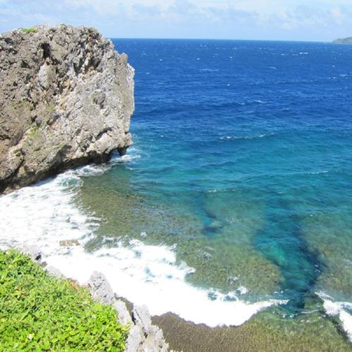 辺戸岬(へどみさき)沖縄の最北端(車で約130分)