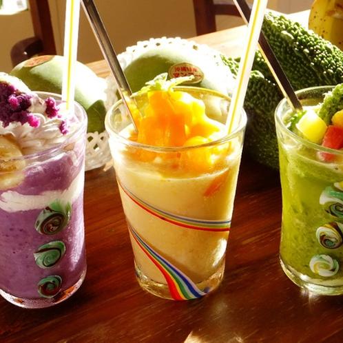 OPA開業!「ビタスムージーズ」沖縄県産フルーツやお野菜、各地の旬の素材が、色鮮やかなスムージーに