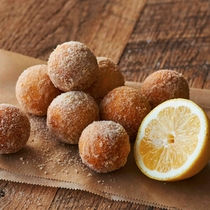 OPA開業!「ボールドーナツパーク」丸くてさくさく、もちもち食感のボールドーナツに美味しいトッピング