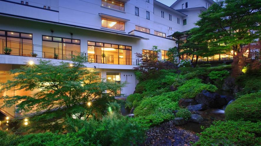 さんさ亭自慢の日本庭園