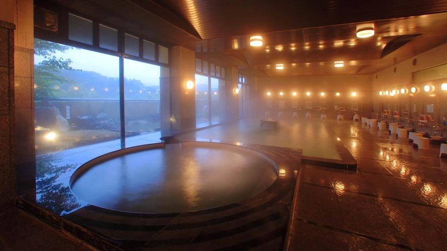 殿方 大浴場2