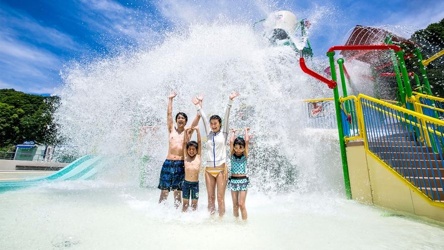 【プール・WATER FORT】いつまでも遊んでいたい、夏リゾートの決定版です♪