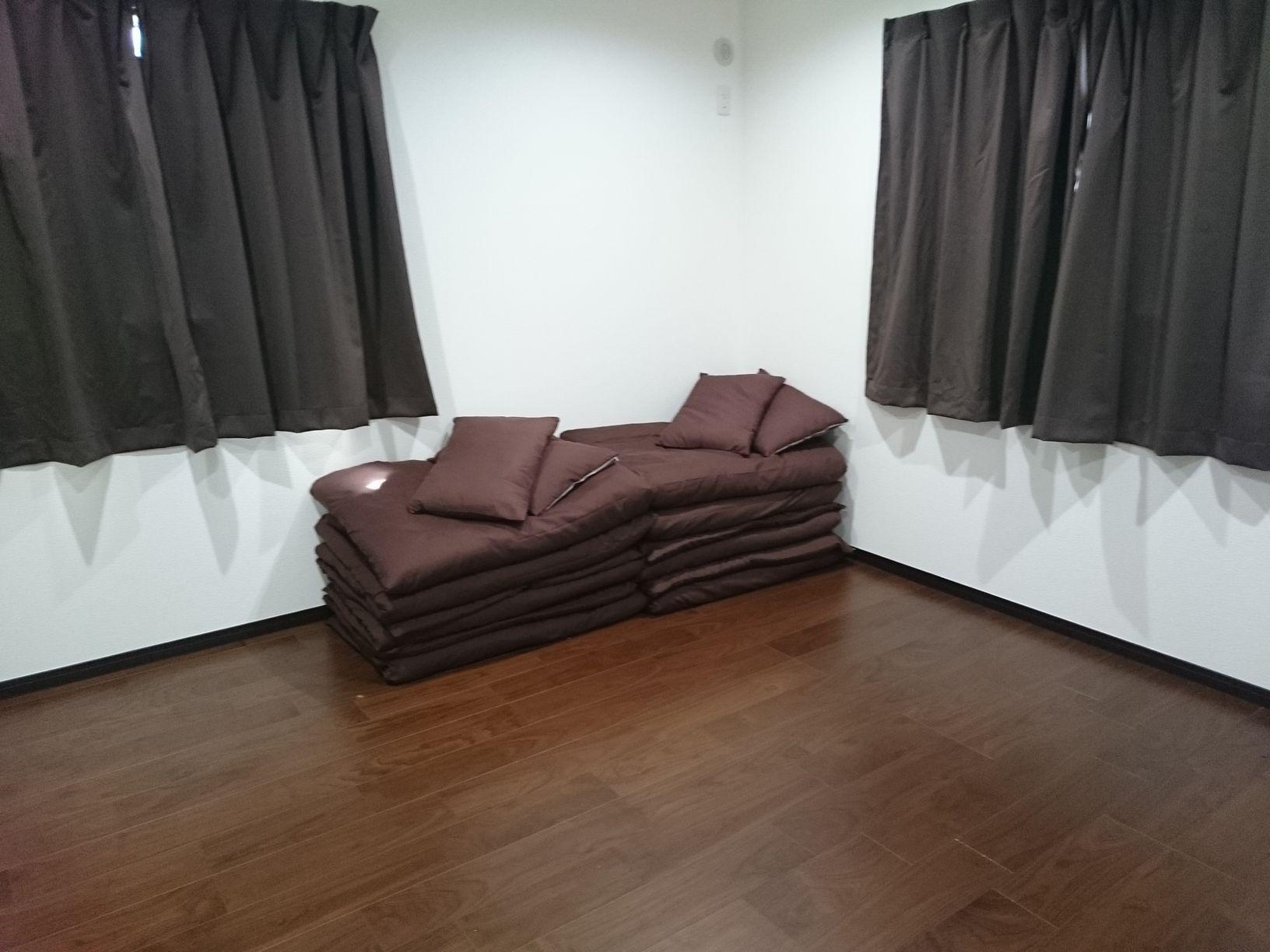 Venus 寝室2