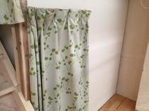 秘密基地型二段ベッドのドミトリー ベッドのカーテン