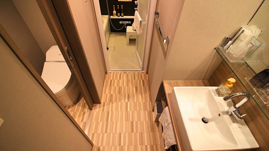 モデレートツイン・スーペリアツインのバス、トイレ、洗面台